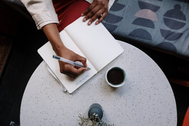 How to Set Norms and Schedule Your Campaign Debrief image