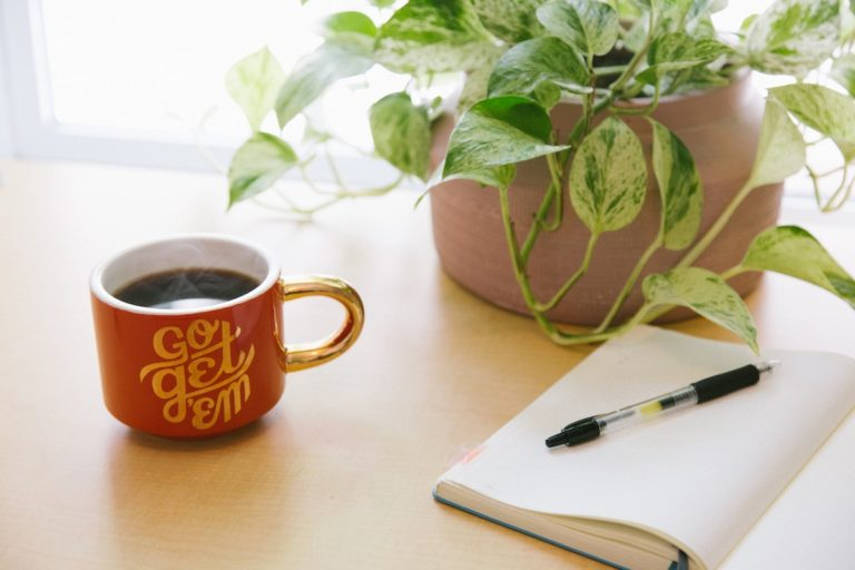 How to Create a Morning Communications Brief for Your Political Campaign image